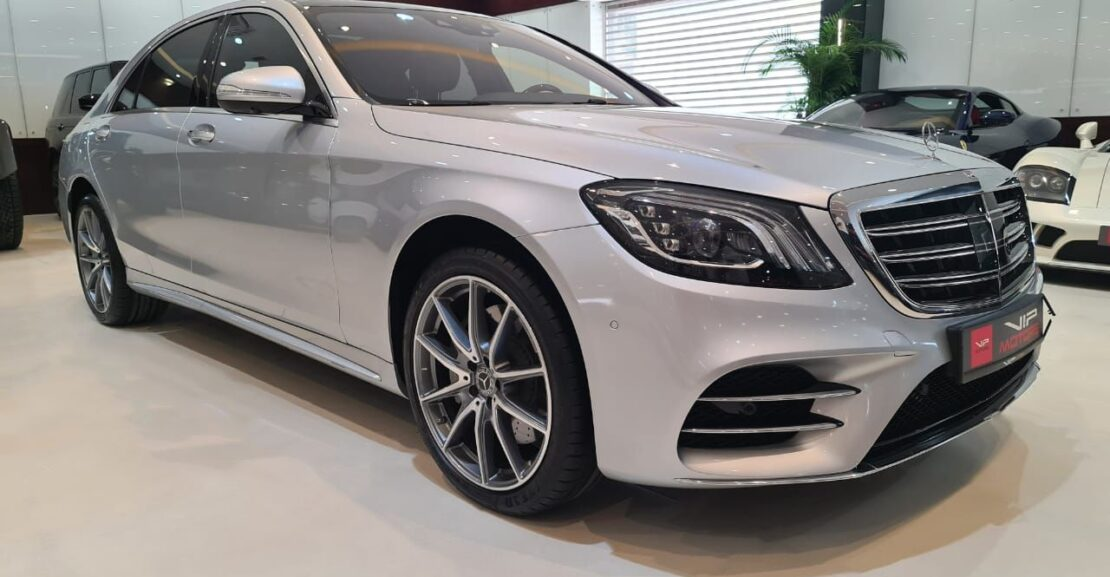 Mercedes-Benz-S560-Silver-2018-Front-Side-View-Vip-Motors