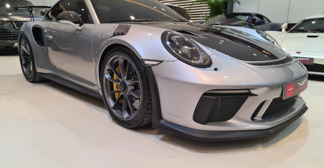 Porsche-Carrera-GT3-Silver-2019-Front-Side-View-Vip-Motors