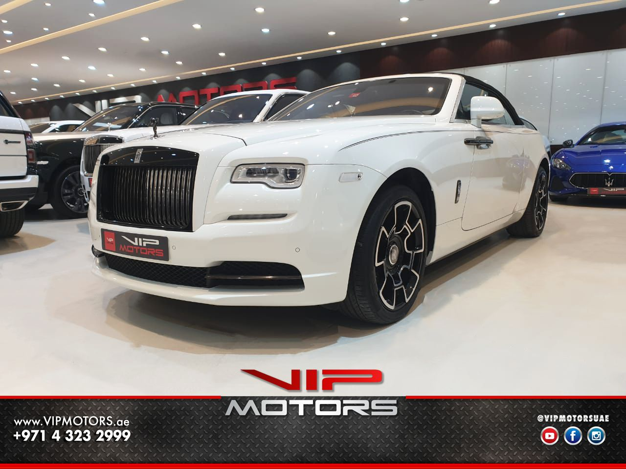 Rolls-Royce-Dawn-White-2017-Front-Side-View-Vip-Motors
