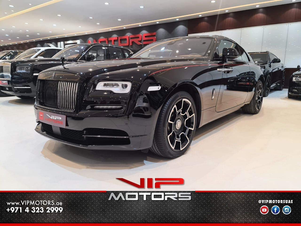 Rolls Royce Wraith-Black-2019-front side-view-vip-motors