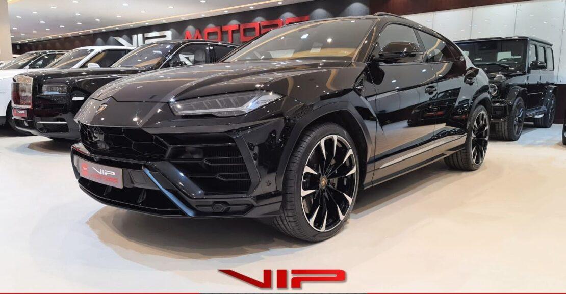 Lamborghini Urus-Black-2019-front-side -view-vip-motors