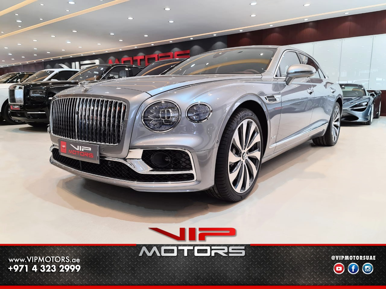 Bentley-Continental-FlyingSpur-2020-Grey-Front-Side-View-Vip-Motors