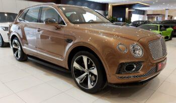 Bentley-Bentayga-2017-Gold-Front-Side-View-Vip-Motors