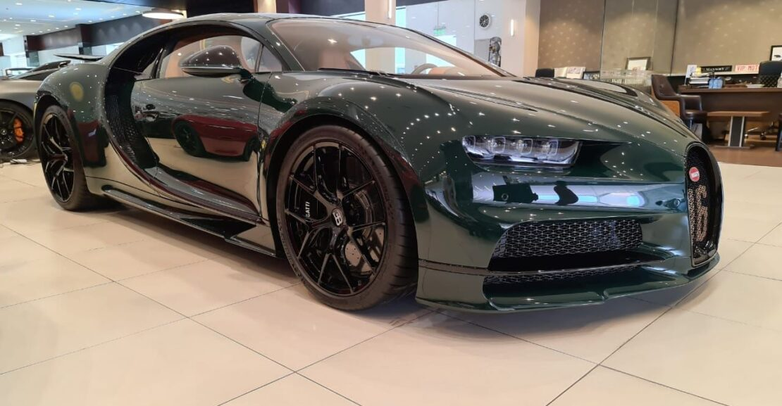 Bugatti-Chiron-Green-2019-Front-Side-View-Vip-Motors